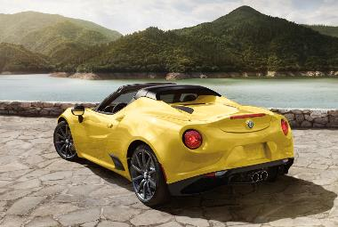 2019 Alfa Romeo 4C Spider_rear_left
